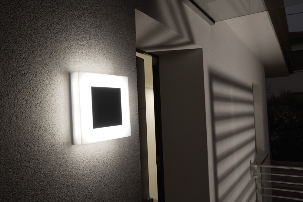 Vanjska zidna ili stropna lampa sa senzorom pokreta Lombardo Led ART 250 mask IP66 20W